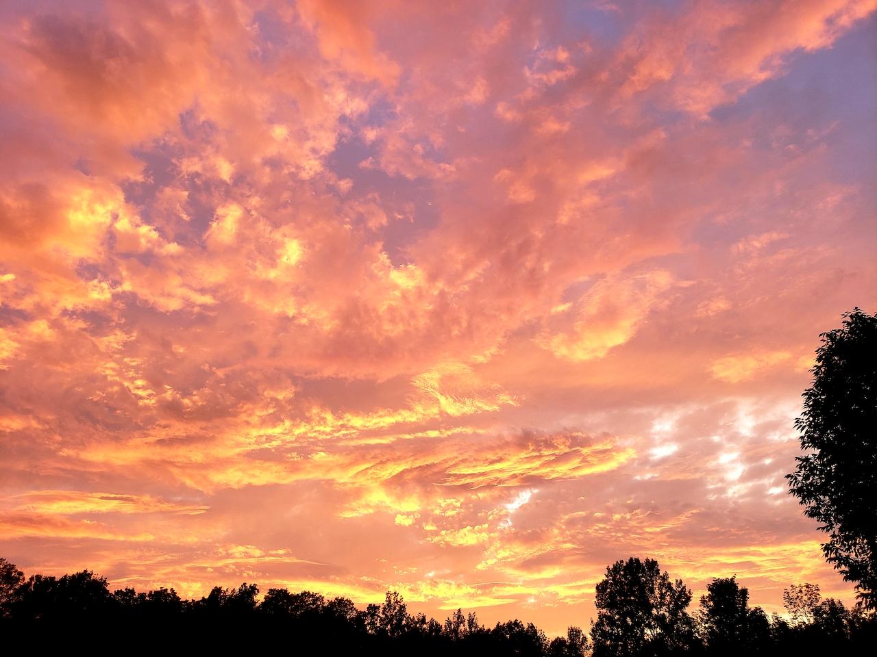 Sunset over Keuka Lake (photo)